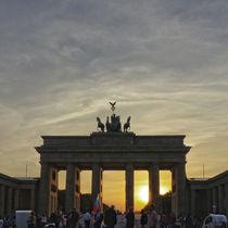 Sonnenuntergang am Brandenburger Tor, Berlin von Ralf Schröer