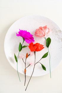 Handmade paper flowers by Elisabeth Cölfen
