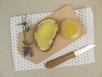 Butterbrot mit Lavendelhonig von Heike Rau