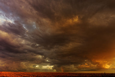 Sz172282-regenbogenwolke