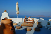 Lightness of being. Santorini, Greece von Yuri Hope