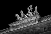 Berlin bei Nacht - Brandenburger Tor Quadriga by Colin Utz