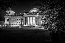 Berlin bei Nacht - Reichstag #6 von Colin Utz