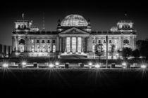 Berlin bei Nacht - Reichstag #3 von Colin Utz