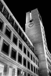 Stuttgart bei Nacht - Stuttgarter Rathaus #1 von Colin Utz