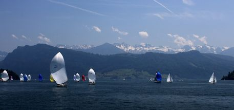 Lake-lucerne-sailing-boats