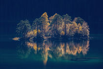[:] Island of light at lake Eibsee, Zugspitze [:]