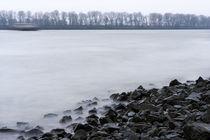an der Elbe im Winter von fotolos