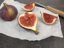 Obstmahlzeit mit Feigen by Heike Rau
