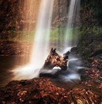 Sgwd yr Eira waterfalls by Leighton Collins