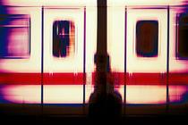 Lila Züge von Bastian  Kienitz