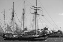 "Sailing boat / Segelboot ""SWAENSBOURGH"" 2016 in Hamburg, Hafengeburtstag by Simone Marsig"