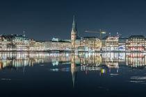 Binnen Alster bei Nacht by Michael  Beith