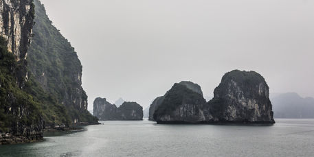 Halong-bay-islands