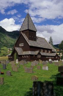 Norwegische Holzkirche by Karlheinz Milde
