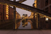 Wasserschloss mit Brücke von Simone Jahnke