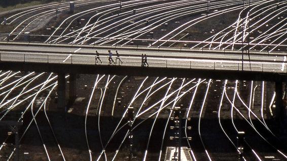 C-278-dot-13-e-rails-and-bridges