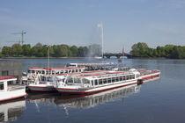 Binnenalster, Schiffe, Alsterfontäne und Lombardsbrücke , Hamburg von Torsten Krüger