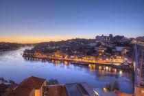 Ponte Dom Luís I und Altstadtviertel Ribeira bei Abenddämmerung, Porto von Torsten Krüger