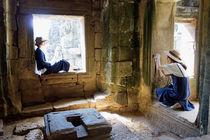 Posieren in Angkor Wat, Kambodscha by Hartmut Binder