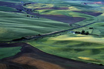 Rolling Hills of Farmland von Jim Corwin