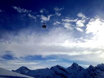 Flying to Schilthorn von Bettina Schnittert