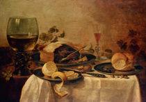 Still Life with Fruit Pie, 1635 von Willem Claesz. Heda