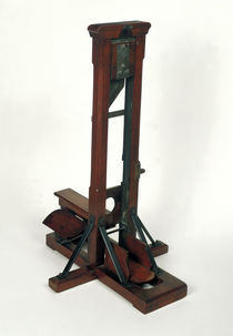 Reduced model of a guillotine by French School