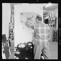 Adolph Gottlieb in his studio von American Photographer