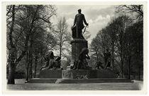 Berlin, Bismarck-Nationaldenkmal / Fotopostkarte, um 1940 by AKG  Images