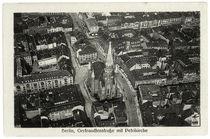 Berlin, Petrikirche mit Getraudenstraße, Luftaufnahme / Fotopostkarte, um 1920 by AKG  Images