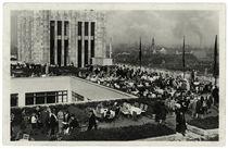 Berlin, Dachgarten Kaufhaus Karstadt / Fotopostkarte, um 1930 von AKG  Images