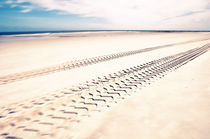 Sandkistenhorizont II by Thomas Schaefer