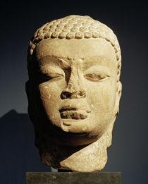 Kopf eines Buddha / indische Plastik von AKG  Images