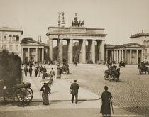 Berlin, Brandenburger Tor / Foto Levy von AKG  Images