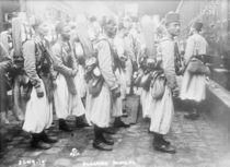 Algerian soldiers, 1914-15 von French Photographer