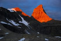 Sunrise on Talon Peak, Canadian Rockies von Geoff Amos