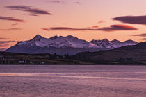 Cuillin Hills Mountain Range, across Loch Portree, on the Isle of Skye, Scotland von Bruce Parker