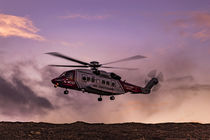 Coastguard helicopter, hovering in the air, on training exercise at Sligachan, Isle of Skye, Scotland von Bruce Parker