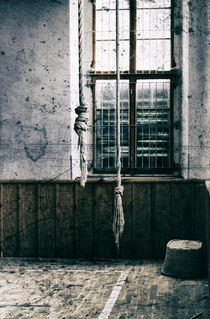 Lost..Turnhalle by Silke Reimann