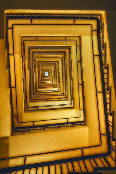 Stairs-to-light-0694