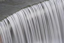 Loisach Staustufe Wasserfall von Rolf Meier