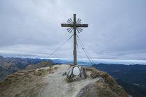 Große Klammspitze Gipfelkreutz by Rolf Meier