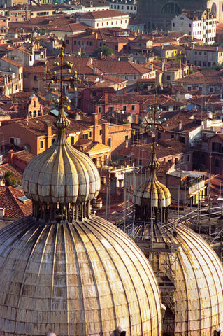 J-136-dot-34-esm-doges-palace-domes-and-venice-rooftops