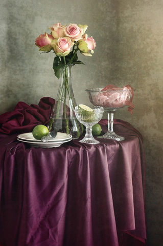 Pink-roses-and-drapery