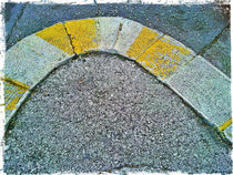 Round and yellow by Gordan Bakovic