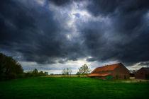 Dunkle Wolken .... von Stefan Kierek