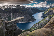 Rock formation Trolltunga by Bastian Linder