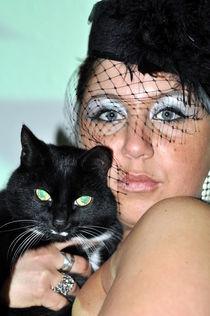 Katzenfrau von Edmond Marinkovic