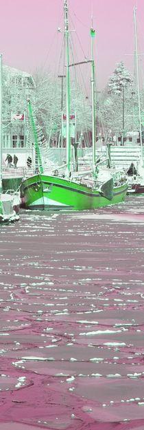 Schiff im Eishafen 3 von Edmond Marinkovic